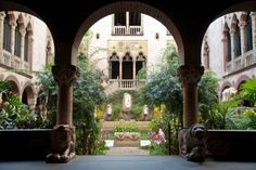Museums With Gardens As Impressive As Their Art Collections-ISABELLA STEWART GARDNER MUSEUM Named after its founder, who was a major patron of the arts until her death in 1924, the Boston museum hosts an intimate collection of inspiring artworks. Designed with a Venetian flair, the whole property – including the gardens – is meant to be a cohesive work of art itself.