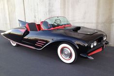 George Barris famously designed the Batmobile driven by Adam West and Burt Ward in the 1966 television series. But few people know that there was a real-wo. Original Batmobile, Batman Batmobile, Batman Car, Batman Stuff, Lego Batman, Adam West, Weird Cars, Cool Cars, Automobile