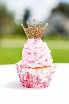 Cupcake toppers for a princess themed birthday party or just for your little princess! These glitter gold cupcake toppers are a princess crown design. The perfect combination of glitter and sophistica