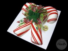 We love #candycanes! We just love them more as cake. #christmascake