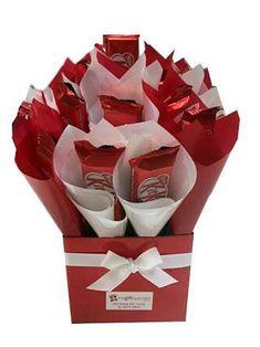 Valentine Gift Baskets, Valentines Diy, Valentine Day Gifts, Cute Gifts, Diy Gifts, Chocolate Flowers Bouquet, Jesus Gifts, Valentine Bouquet, Sweet Trees
