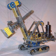 Meccano - Wikipedia, the free encyclopedia Childhood Games, Childhood Memories, Gadgets, Toys For Boys, Kids Toys, Children's Toys, Nostalgia, Old School Toys, Hobby Toys