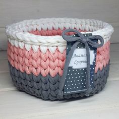 Crochet t-shirt yarn basket Crochet Crafts, Yarn Crafts, Crochet Projects, Sewing Crafts, Crochet Bowl, Love Crochet, Crochet Yarn, Crochet Storage, Crochet T Shirts