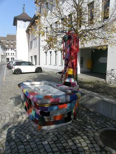 knit-covered fountain spotted in Switzerland