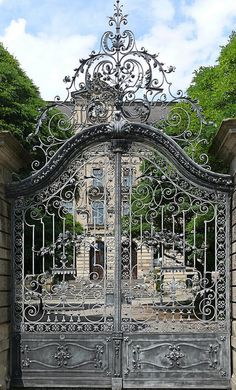 Beautiful Gate in Bayreuth, Germany 09 by Arnim Schulz, via Flickr