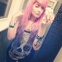 Hailedabear with Pastle Pink hair