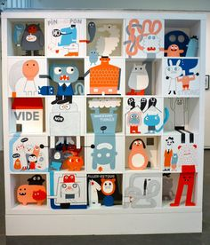 Expo Aller-Retour © Delphine Durand. Something like this would be great for a kids room.