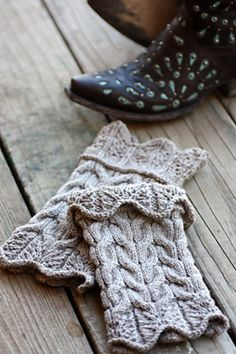 Ravelry: Anvard Boot Toppers pattern by Rosemary (Romi) Hill Mehr Knitted Boot Cuffs, Crochet Boots, Knit Boots, Knitted Slippers, Knit Or Crochet, Knitting Socks, Knit Mittens, Knitted Hats, Knitting Projects