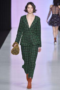 Yasya Minochkina Autumn/Winter 2017 Ready To Wear Collection