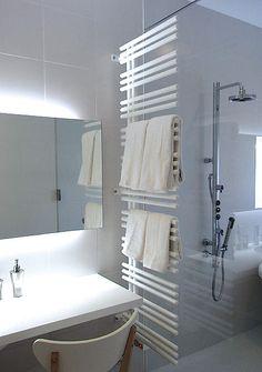 HR(E) YUCCA YAE 壁付けタオルウォーマー Tiny Living, Dressing Room, Home Organization, Powder Room, Home Projects, Interior Inspiration, Home Furnishings, New Homes, Bathtub