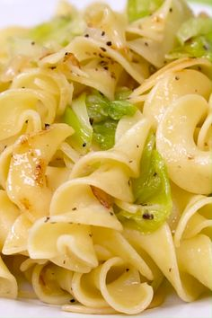 Haluski (Cabbage and Noodles) What is haluski? Haluski is a buttery Polish dish with egg noodles and fried cabbage often served during Lent and is the perfect recipe to use up leftover cabbage. Very popular in Pittsburgh! So easy and delicious! Salmon Recipes, Vegetable Recipes, Pasta Recipes, Side Dish Recipes, Vegetarian Recipes, Cooking Recipes, Healthy Recipes, Egg Noodle Recipes, Recipes With Leftover Egg Noodles