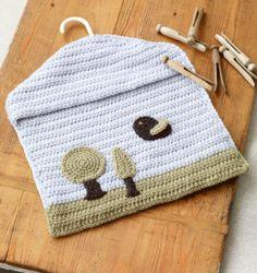 Blue Skies Accessories Bag (free pattern)