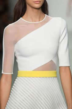 David Koma at London Fashion Week Spring 2015 - StyleBistro