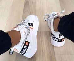 En Coulisses Par sneakersmile_ - Behind The Scenes By sneakersmile_ En Coulisses Par sneakersmile_ Nike Shoes Photo, Dr Shoes, Cute Nike Shoes, Swag Shoes, Hype Shoes, Shoes Sneakers, Chunky Sneakers, Black Shoes, Teen Girl Shoes