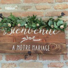 """Panneau """"bienvenue à notre mariage"""" - www.savethedeco.com"""
