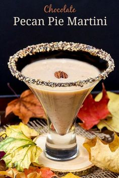 Pecan Pie Martini with Chocolate Pecan Rim (adult holiday drinks simple syrup) Bar Drinks, Cocktail Drinks, Yummy Drinks, Alcoholic Drinks, Lemonade Cocktail, Bourbon Drinks, Vodka Drinks, Frozen Drinks, Cocktail Shaker