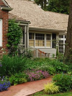 Front Walkway Landscaping Design, Pictures, Remodel, Decor and Ideas - page 3
