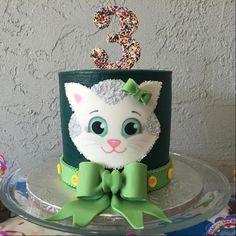 Katerina Kitty Cat Birthday Cake
