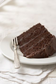 Donker sjokoladelaagkoek. Pizza Recipes, Baking Recipes, Cake Recipes, South African Recipes, Ethnic Recipes, Chocolate Cake, Favorite Recipes, Sweets, Cooking