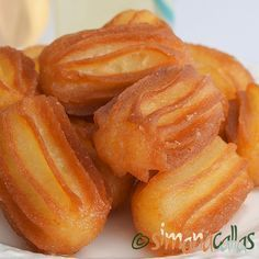 simonacallas - Pagina 4 din 30 - Desserts, sweets and other treats Cookie Recipes, Snack Recipes, Vegetable Snacks, Romanian Food, Romanian Recipes, Sweet Pastries, Pastry And Bakery, Dessert Drinks, Sweet Cakes
