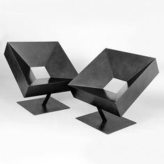 can't help but think that this would be extremely uncomfortable, but oh so pretty to look at. chairs by stephane ducatteau.
