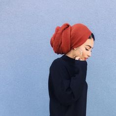 Hijab / Head covering / Turban – – Best Of Likes Share Hair Wrap Scarf, Hair Scarf Styles, Curly Hair Styles, Natural Hair Styles, Updo Curly, Turban Mode, Hijab Turban Style, Turban Outfit, Turbans