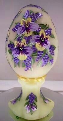 #10MINUTEWOW #DELMONTECONTEST Egg Crafts, Easter Crafts, Painted Rocks, Hand Painted, Fenton Glassware, Fairy Lamp, Egg Designs, Faberge Eggs, Egg Art