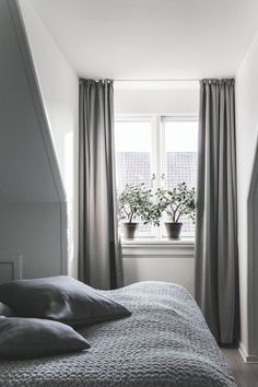 Great Grey Bedroom Furniture Sets, Navy Blue and Grey Bedroom Ideas Do you think he or she will like it? Grey Bedroom Furniture Sets, Wood Bedroom Sets, Small Room Bedroom, Gray Bedroom, Home Decor Bedroom, Bedroom Ideas, Calm Bedroom, Funky Bedroom, Bedroom Sofa