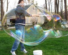 bubbles Summer Activities For Kids, Games For Kids, Fun Activities, Crafts For Kids, Babysitting Activities, Kid Games, Outdoor Birthday Games, Big Bubbles, Soap Bubbles