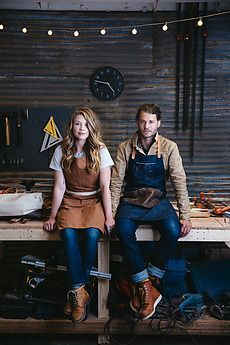 Portrait of wood workers in their art studio by Trinette Reed (environmental ) Business Portrait, Photo Portrait, Portrait Photography, Environmental Portraits, Leather Workshop, Wood Worker, Photography Branding, Portrait Inspiration, Work Wear