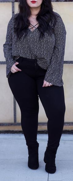 Chic Plus Sized Style Ideas for Women - - Looks plus size - Plus Size Fashion For Women, Black Women Fashion, Plus Size Women, Curvy Girl Outfits, Plus Size Outfits, Curvy Girl Fashion, Trendy Fashion, Ad Fashion, Curvy Girl Style