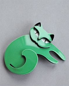 Cat Jewelry, Jewelry Design, Jewellery, Crazy Cat Lady, Crazy Cats, Cat Necklace, Cat Wall, Brooches, Cds