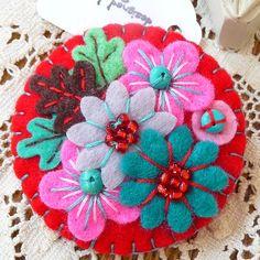 FY107 - Japanese Art Inspired Handmade Mini Felt Brooch - Red - Made to order £12.50