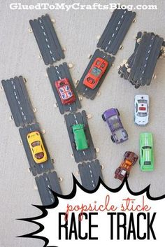Popsicle Stick Race Track - Super Fun Craft Idea For Kids! Fun Arts And Crafts, Easy Crafts For Kids, Arts And Crafts Projects, Art For Kids, Preschool Projects, Preschool Art, Popsicle Stick Crafts For Kids, Popsicle Sticks, Craft Stick Crafts