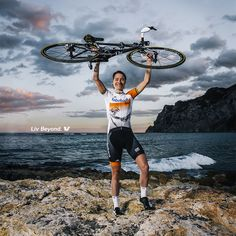 """The gold medal doesn't make you happy.  It is about the whole trip to it and just having fun on the bike every day."" 금메달 자체가 우리를 행복하게 하진 않습니다. 그것은 목표를 성취하고, 매일 일상 속에서 자전거를 즐기기 위한 모든 여정입니다.   마리안느 보스(Marianne Vos)  #LivKorea #LivCycling_kr #LivBeyond #MotivationalMonday #리브코리아 #리브비욘드"