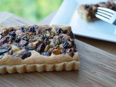 Dried fruits and nuts tart with almond filling  ドライフルーツとナッツのタルト
