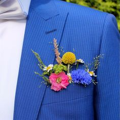 Floral Boutonniere Inspiration for the Modern Groom. High Tea Wedding, Wedding Show, Casual Wedding, Dream Wedding, Wedding Groom, Bride Groom, Simple Wedding Bouquets, Diy Wedding Flowers, Floral Wedding