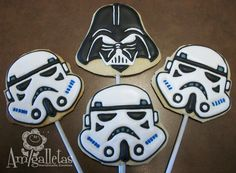 death star crew cookie pops, they really do have cookies. Yummy