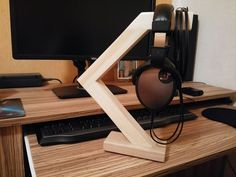 let's add all future headphone stand creations to this one thread to make perusing easier.