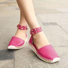 Big Size Women Summer Beach Staprry Sandals Breathable Buckle Roman Flat Sandals - US$30.93