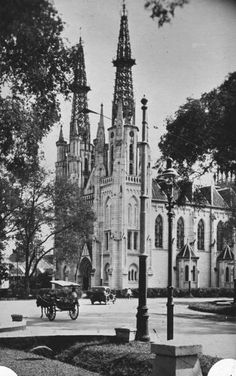 The old Jakarta Cathedral, Jakarta, Indonesia. I wonder when it was, look at the old car style, I guess around Bali, Komodo Island, Dutch East Indies, Dutch Colonial, Colonial Architecture, Old City, Jakarta, Cathedral Church, Old Photos