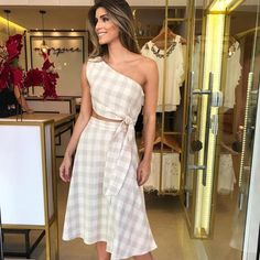 Lindoooo  Vestido de Linho com Recorte na Cintura   #fashion #blogueira #love #estilo #style #moda #tendencia #fashionblogger #modaparameninas #trend #tendência #look #girl #lookdodia #lookoftheday #f4f #follow4follow #follow #style #instafollow