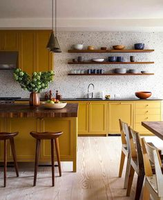 Kitchen Wallpaper Ideas (Country and Modern Kitchen Wallpaper) - How to decorate the kitchen wall? One of the beneficial we can do is applying kitchen wallpaper. With this article will give some kitchen wallpaper ideas. Home Decor Kitchen, Kitchen Interior, New Kitchen, Home Kitchens, Country Kitchen, Kitchen Modern, Kitchen Paint, Kitchen Dining Rooms, Country Farmhouse