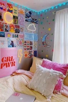 Dorm Wall D cor With Neon Signs neonsignsdecor Simple and unique dorm room ideas. Dorm Wall D cor With Neon Signs neonsignsdecor Simple and unique dorm room ideas for girls with nec Cute Room Ideas, Cute Room Decor, Teen Room Decor, Room Ideas Bedroom, Bedroom Decor, Girls Bedroom, Cozy Bedroom, Master Bedroom, Bedrooms
