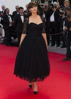 Monica Bellucci en robe Dolce & Gabbana et escarpins Christian Louboutin http://www.vogue.fr/sorties/on-y-etait/diaporama/les-plus-belles-robes-du-festival-de-cannes-2014/18787/image/1001729#!monica-bellucci-en-robe-dolce-amp-gabbana-et-escarpins-christian-louboutin