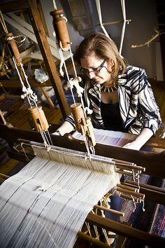 Hand weaving - Julia