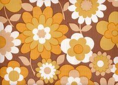 Marron, orange, grandes fleurs... comment a t-on pu aimer ça, mystère !