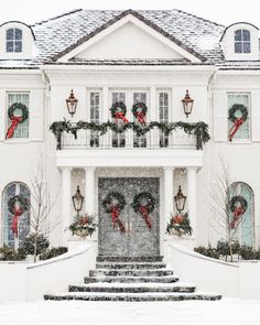 My Holiday Home Tour - Rach Parcell Days Until Christmas, Christmas Porch, Outdoor Christmas Decorations, Merry Christmas, Christmas Greenery, Christmas Ideas, Green Christmas, Christmas Inspiration, Christmas Wreaths