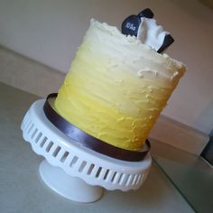 Ombre Buttercream Cake for a fitness Guru #yellowombre #dumbbells #towel…
