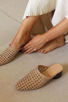 The Lou Mule Woven – Sand Suede The Lou Mule is back and better than ever as a simple woven shoe, ready to take you to the city, the beach, and anywhere in between. The Lou Mule Woven – Sand Suede Stilettos, Stiletto Heels, High Heels, Pumps, Wedge Heels, Mules Shoes, Shoes Heels, Buy Shoes, Shoes Sneakers